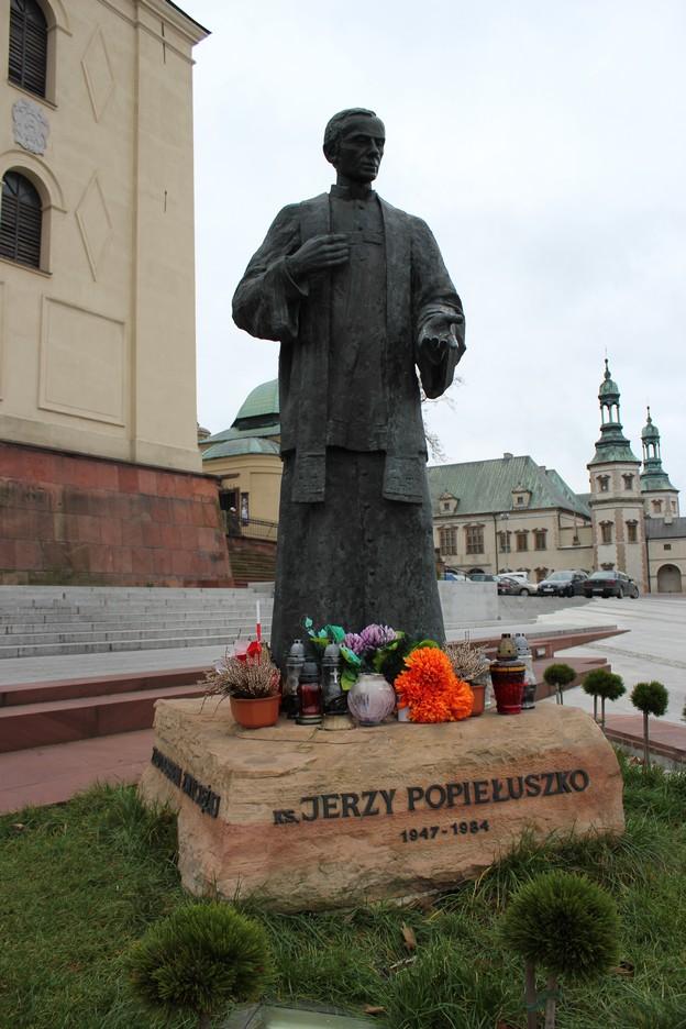 kielce-pomnik-jerzy-popieluszko