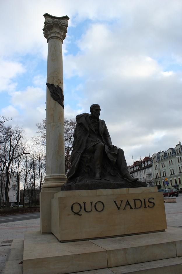 kielce-sienkiewicz-pomnik